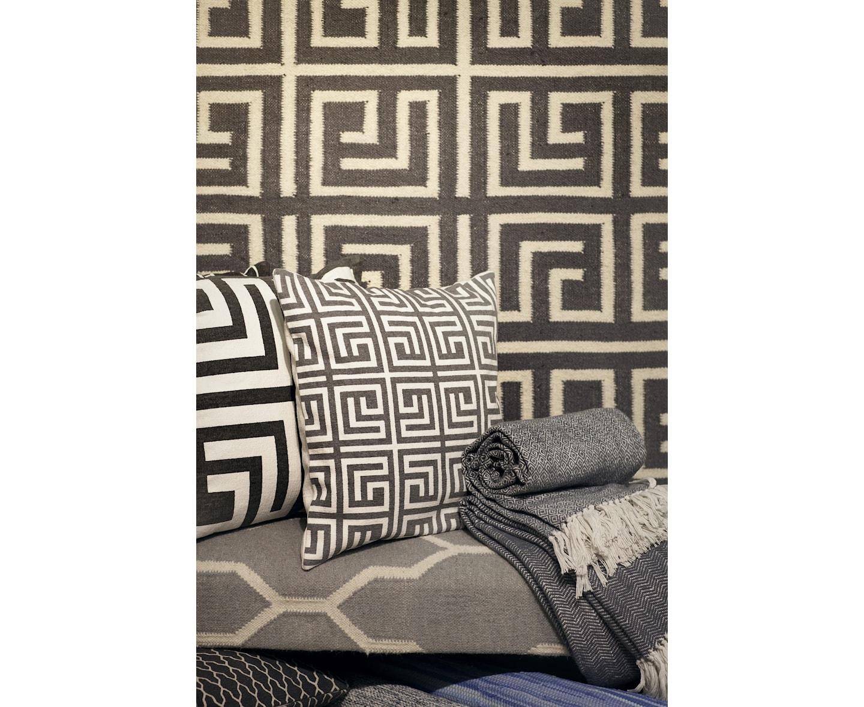 Classic Collection Labyrinth Ullmatta Titanium 200x300